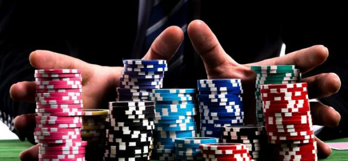 It is now easy to play poker online
