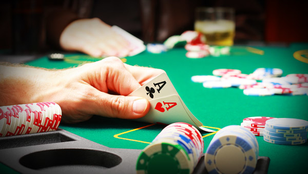 The most effective method of poker card cheats