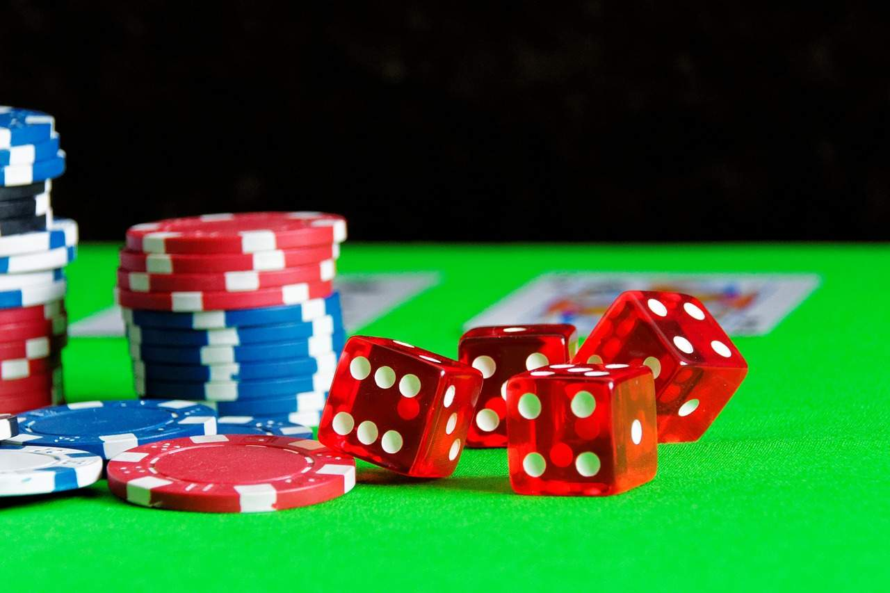 Play Poker On Online Casinos