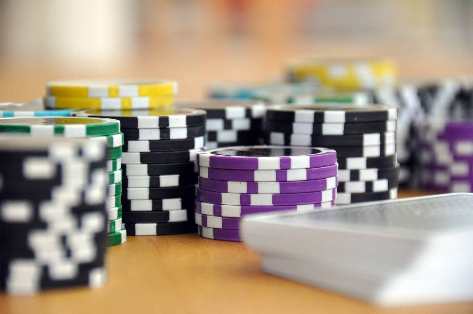 Why do people prefer online gambling nowadays?
