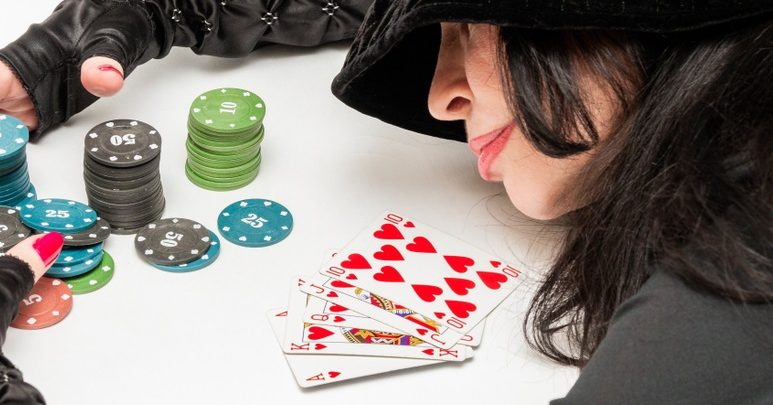 The Amazing Features Of Online Gambling AndAgen Judi PKV Games