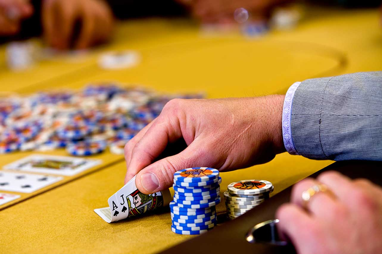 Play Online Casino And What Type of Online Casino