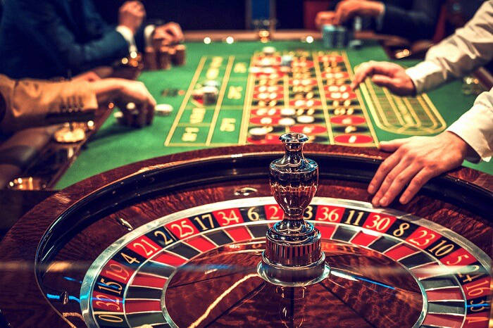 Why is reading out tips is essential before getting into an online casino?