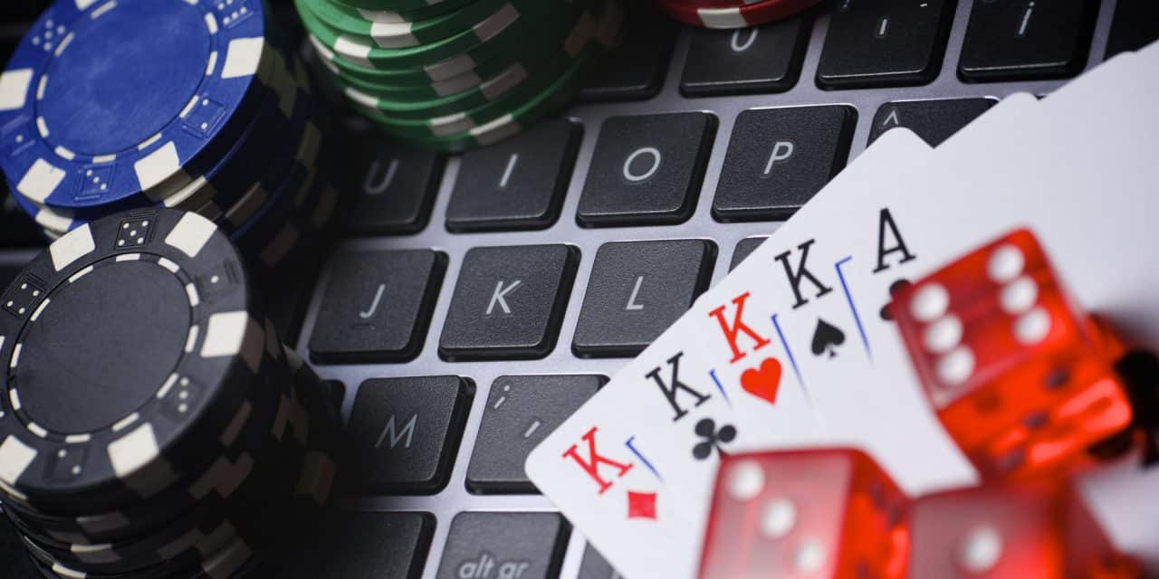 The most outstanding services from a reputable casino dealer online