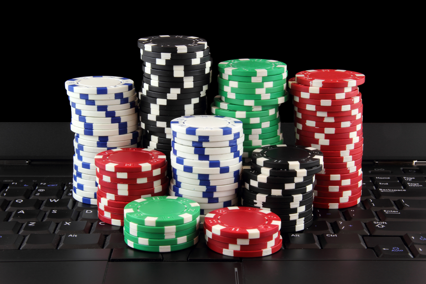 Why To Play Online Gambling At Ufabet?